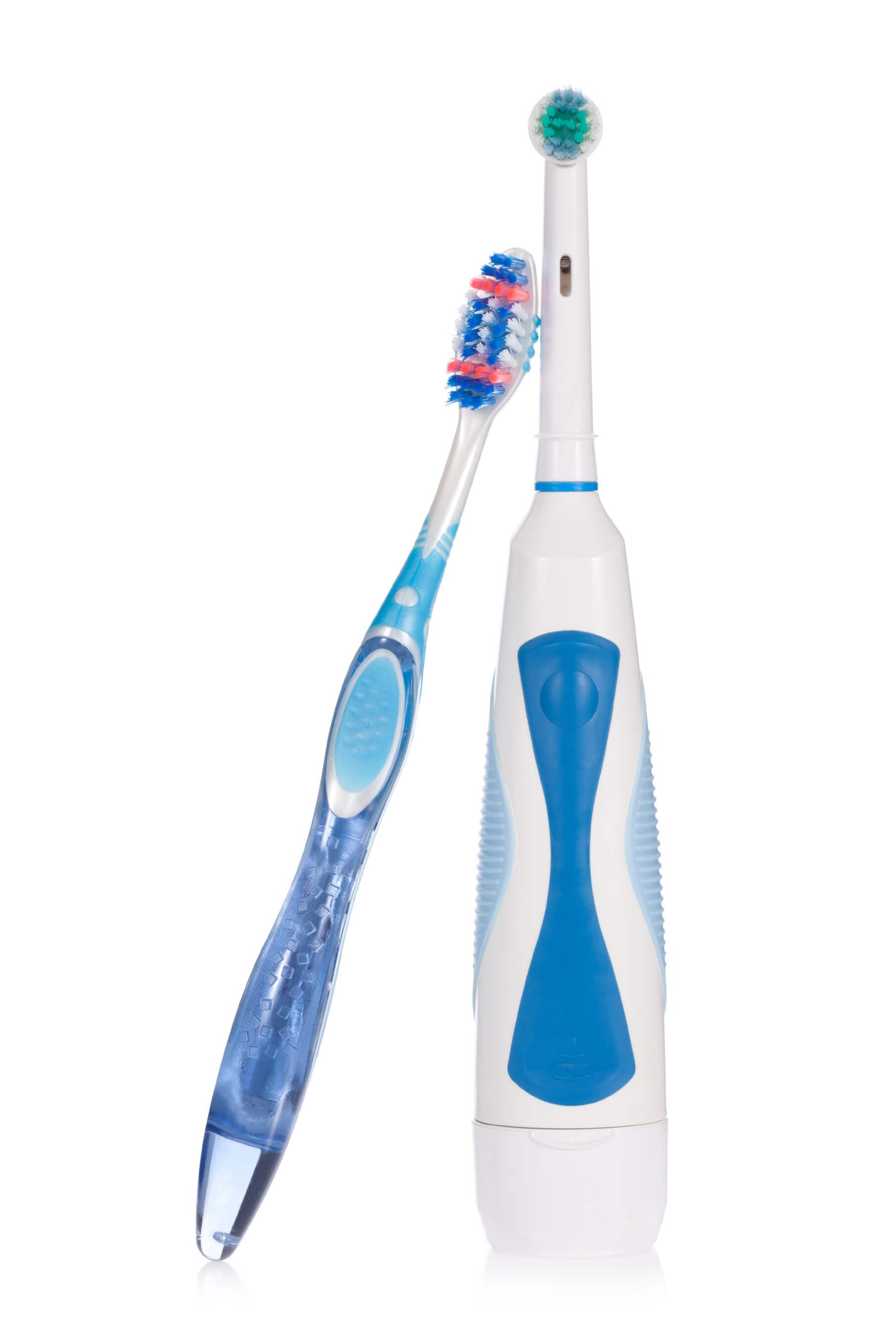 Almindelig tandbørste eller el-tandbørste. If Almindelig vs. elektrisk  tanboerste 600f32853da31