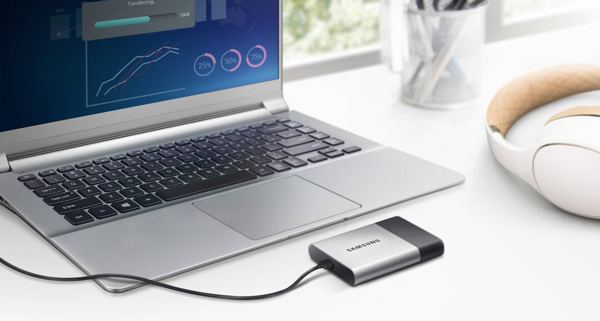 Samsung Portable SSD T3 plugged in