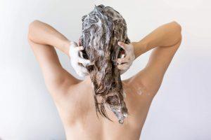 Vask ikke håret for ofte