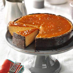 Cappuccino-cheesecake med salt karamelltopping