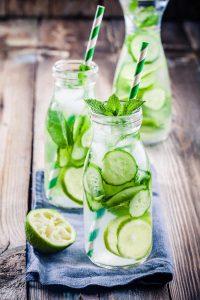 Danskvand med agurk og lime