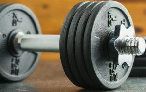 Det er kun dem, der pumper jern, der har behov for flere proteiner