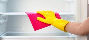 rengør køleskabet