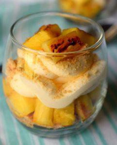 Grillad ananas med vaniljglass